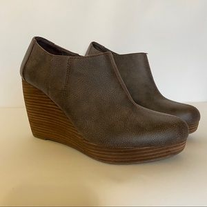 Dr. Scholls Womens Size 10 M Brown Ankle Booties